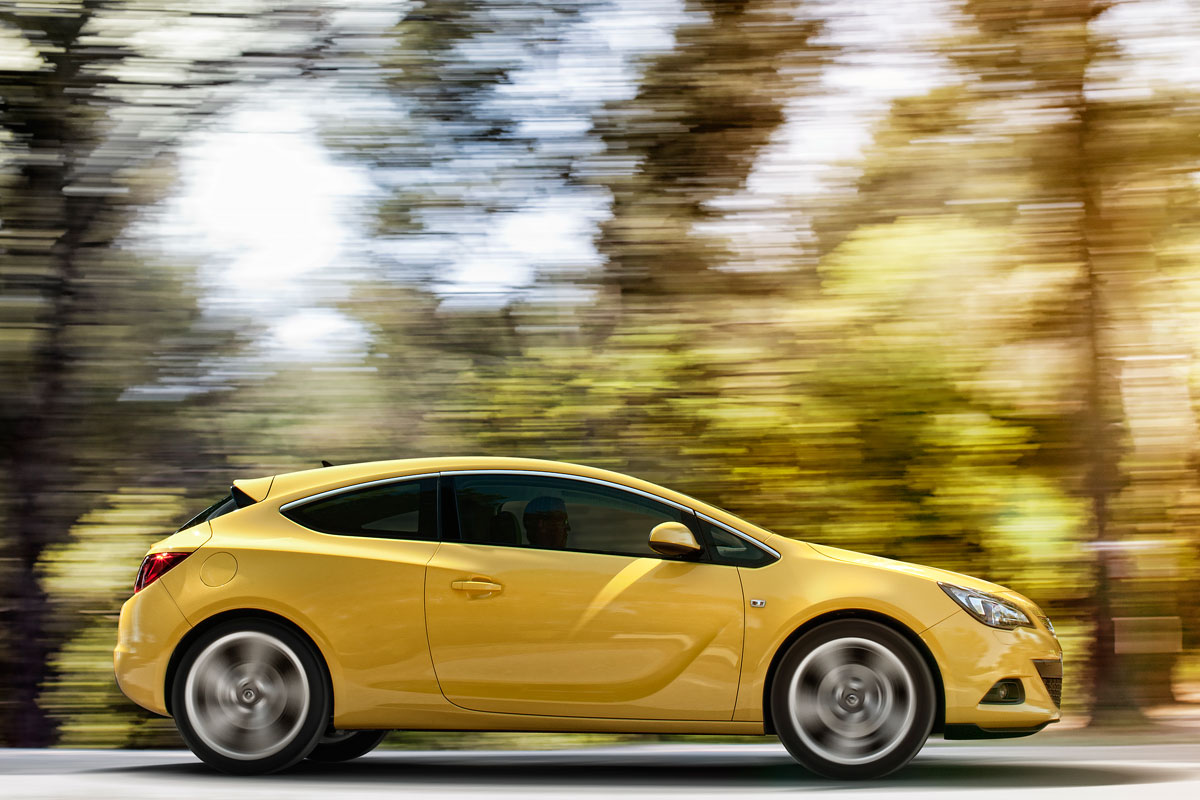opel astra gtc 1 7 cdti ecoflex photos and comments. Black Bedroom Furniture Sets. Home Design Ideas