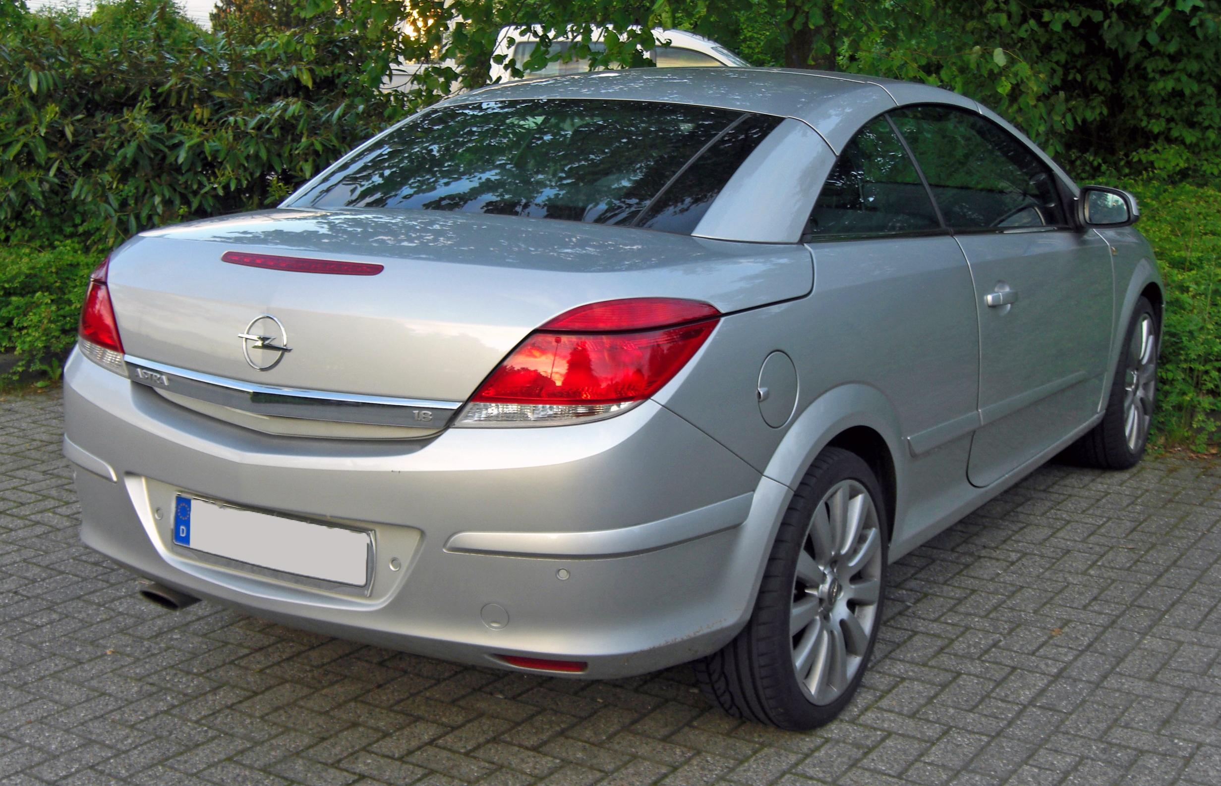 opel astra twintop 1 8 photos and comments