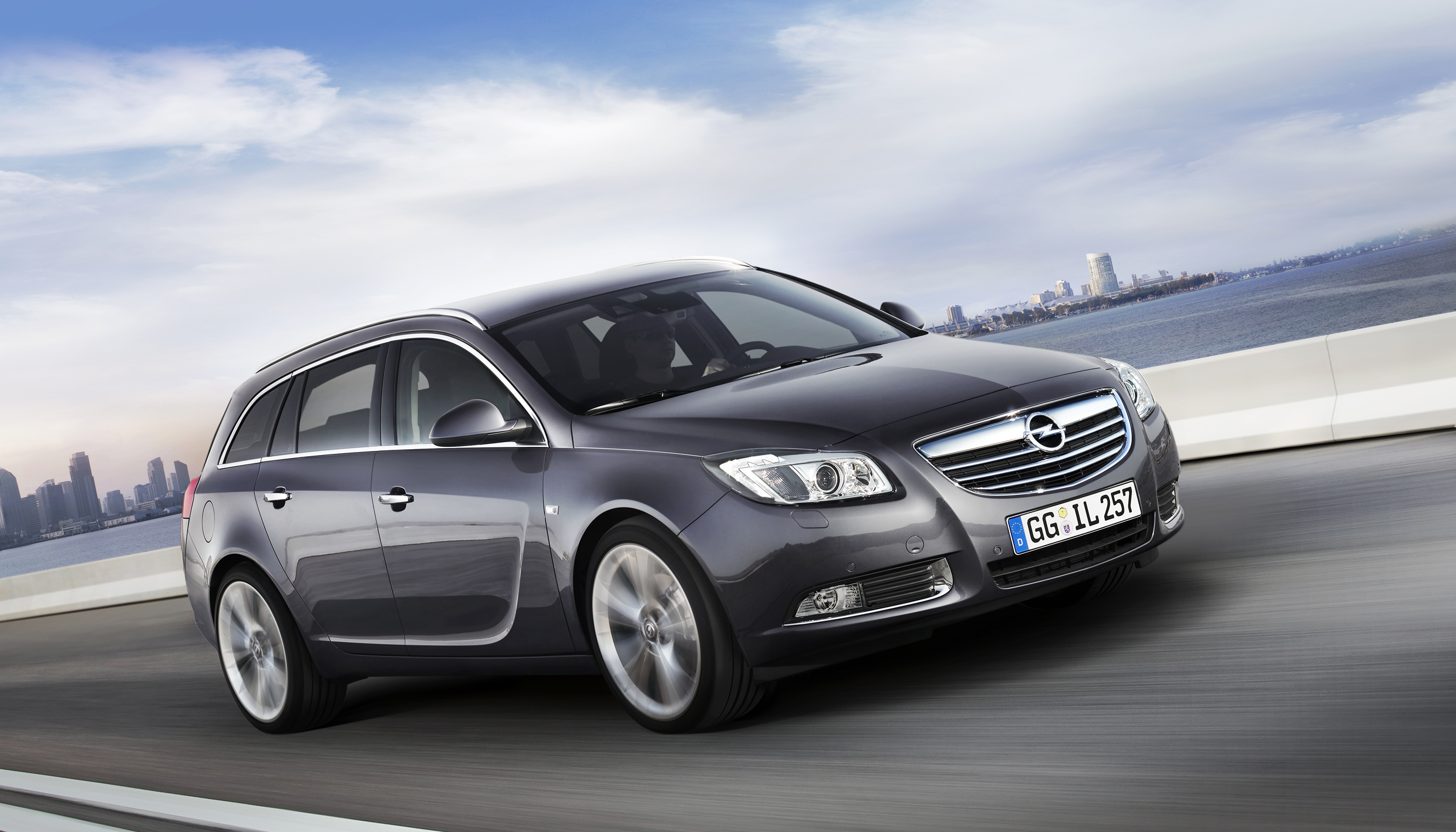 opel insignia sports tourer 1 6 turbo photos and comments. Black Bedroom Furniture Sets. Home Design Ideas