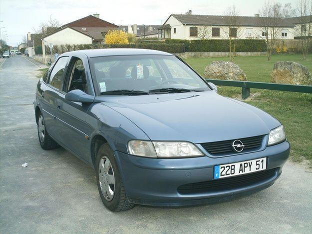 opel vectra 2 0 dti 16v photos and comments. Black Bedroom Furniture Sets. Home Design Ideas