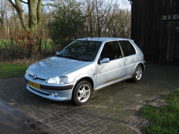 peugeot 106 1 4 photos and comments