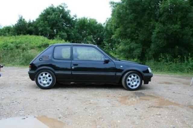 peugeot 205 1 6 gti photos and comments. Black Bedroom Furniture Sets. Home Design Ideas
