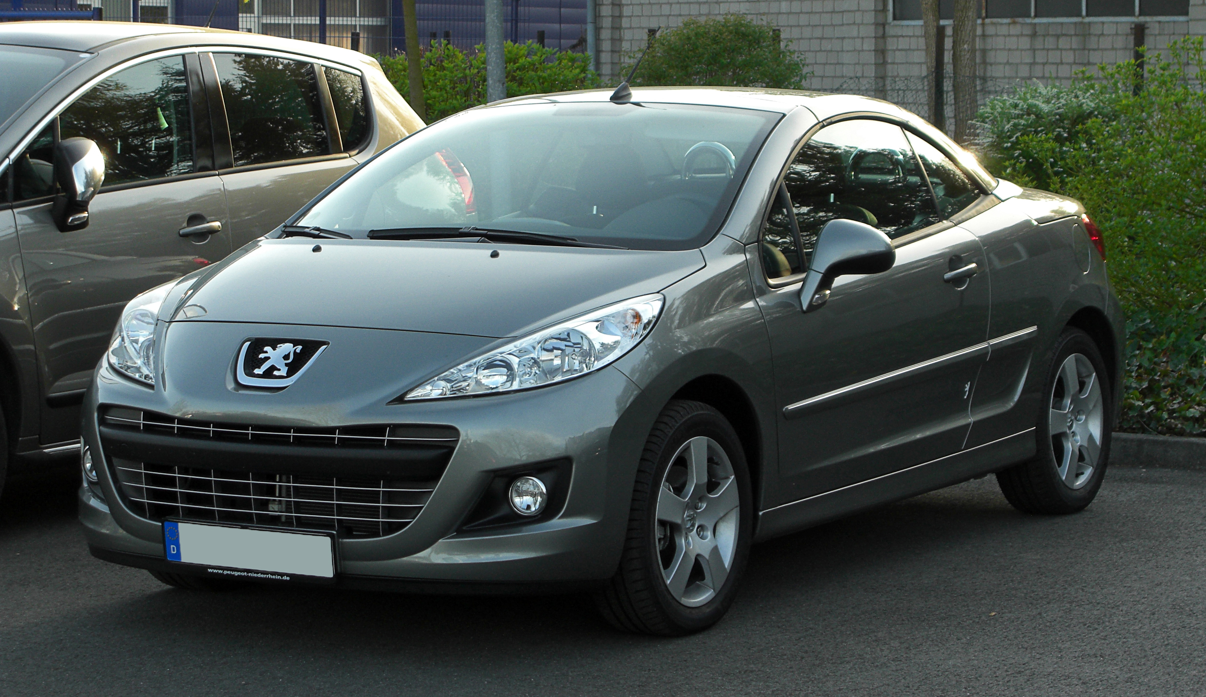 peugeot 207 120 vti photos and comments