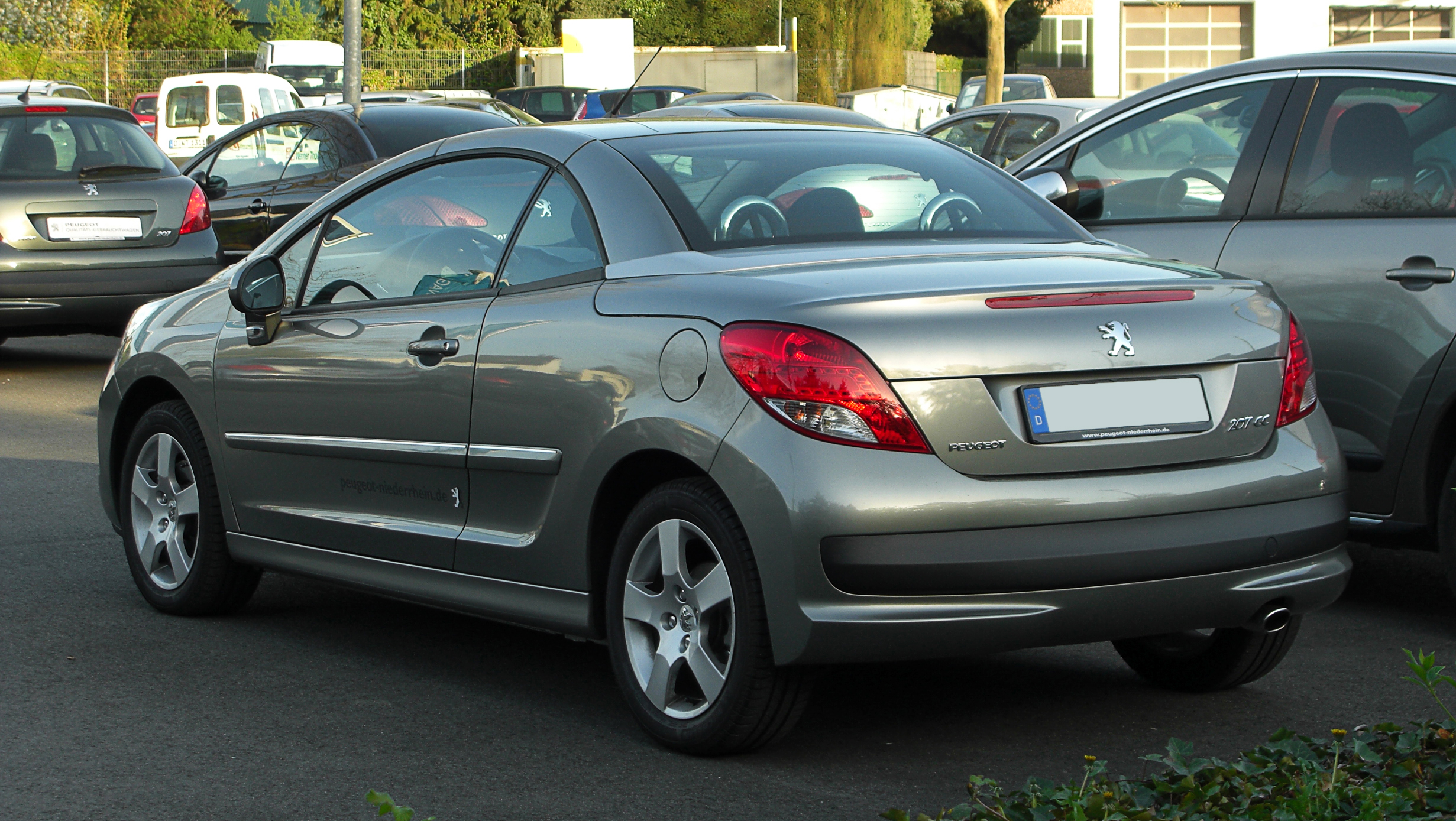 peugeot 207 cc 120 vti photos and comments. Black Bedroom Furniture Sets. Home Design Ideas