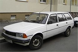 peugeot 305 estate-pic. 3