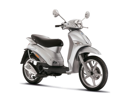piaggio liberty 50 4t photos and comments. Black Bedroom Furniture Sets. Home Design Ideas