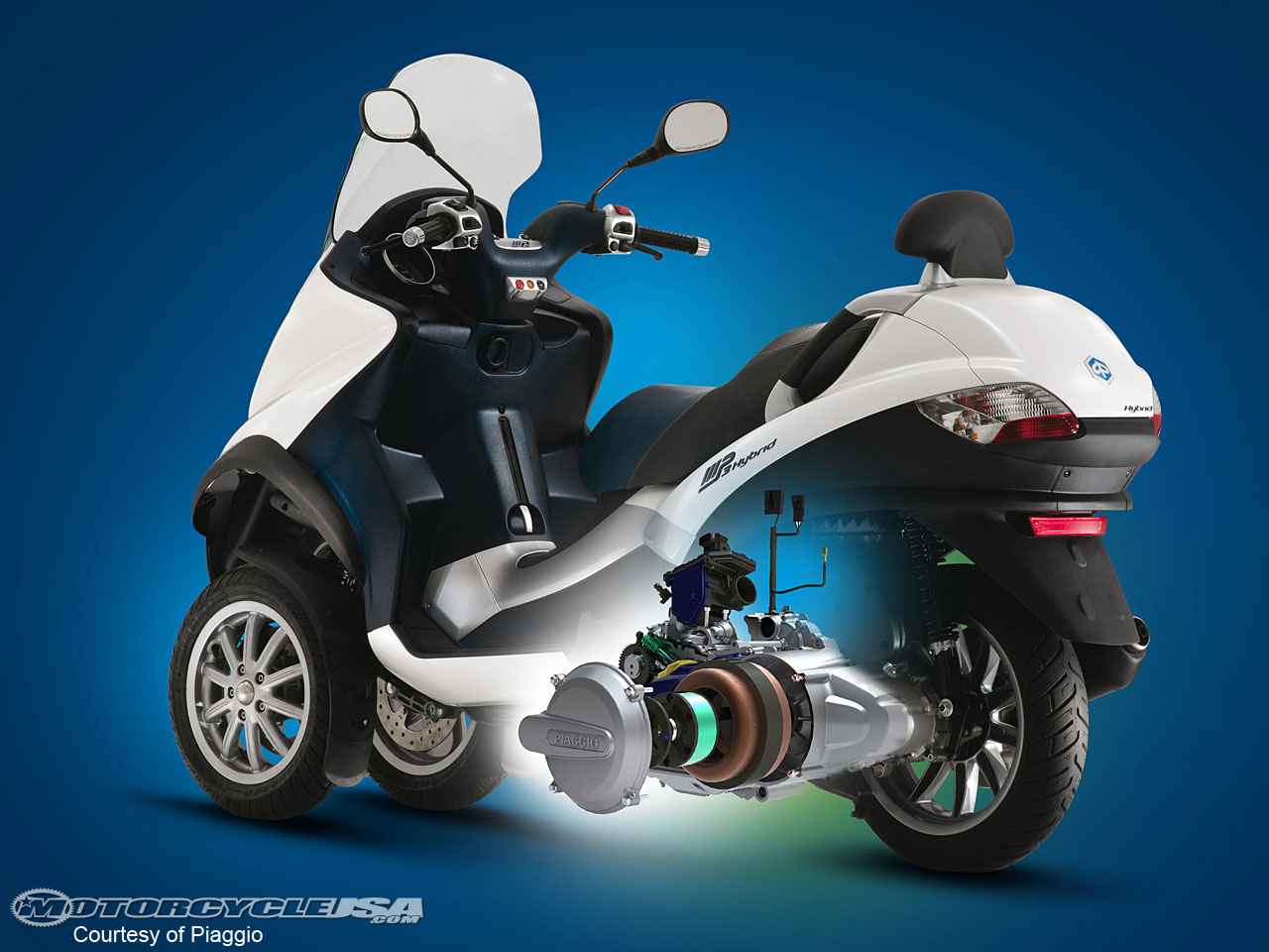 piaggio mp3 hybrid 125 photos and comments. Black Bedroom Furniture Sets. Home Design Ideas
