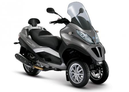 piaggio mp3 touring lt 300 photos and comments. Black Bedroom Furniture Sets. Home Design Ideas