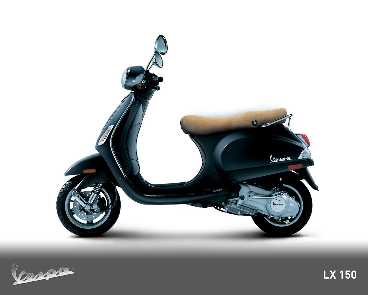 piaggio vespa lx 150 photos and comments. Black Bedroom Furniture Sets. Home Design Ideas
