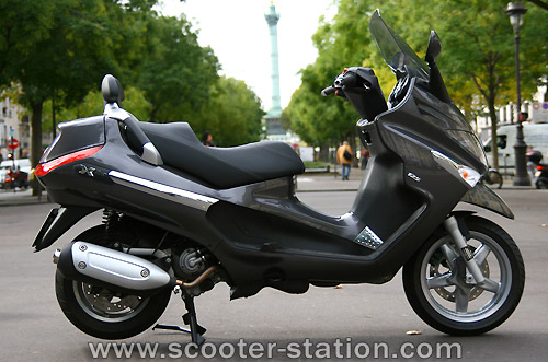 piaggio xevo 125 photos and comments. Black Bedroom Furniture Sets. Home Design Ideas