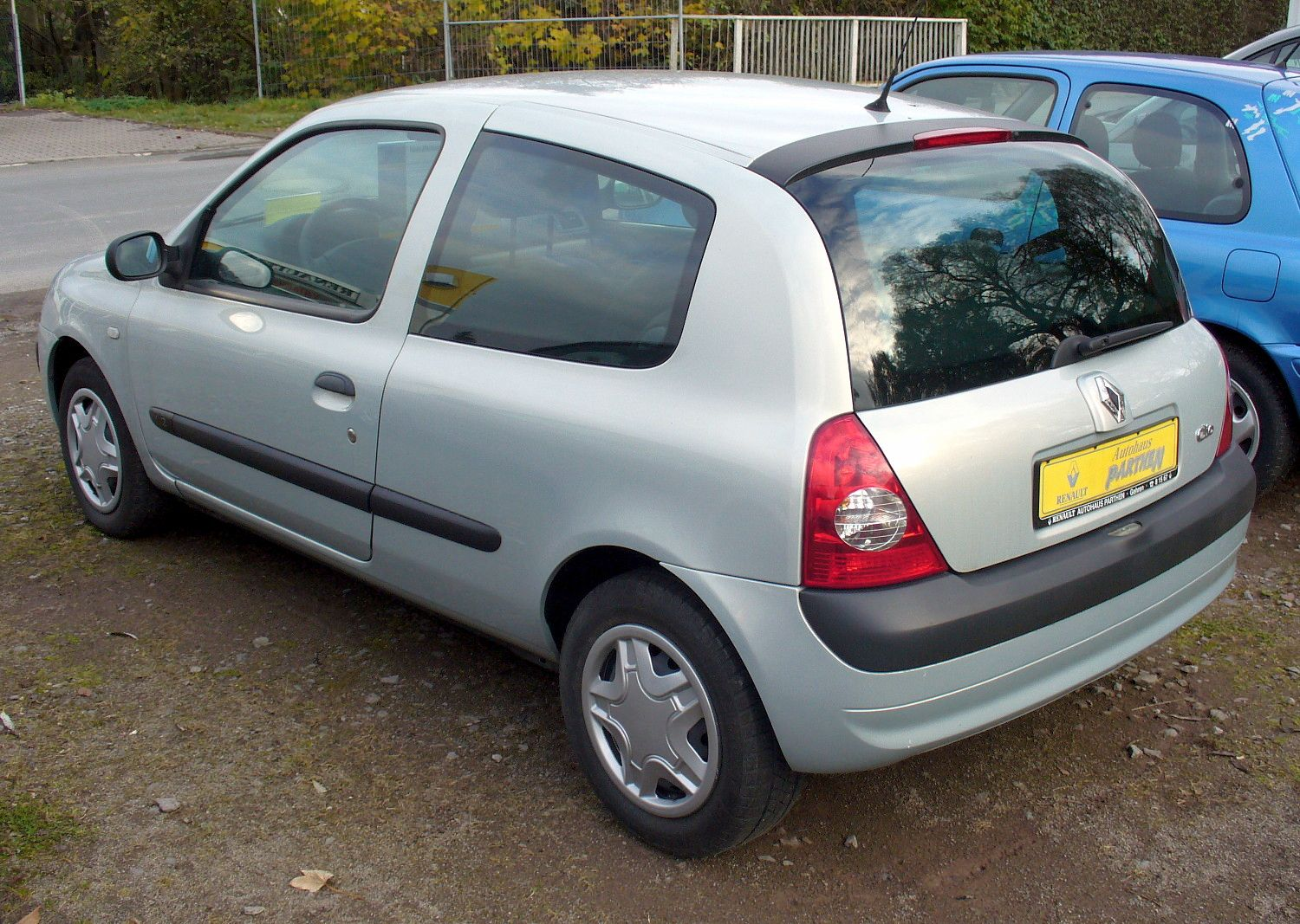 renault clio 1.2 authentique-pic. 2