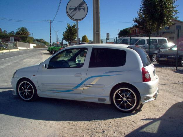 renault clio 1 5 dci photos and comments. Black Bedroom Furniture Sets. Home Design Ideas