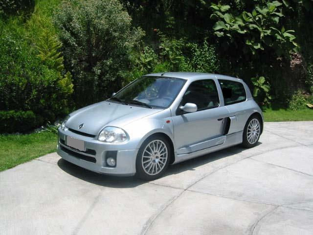 renault clio 3 0 v6 photos and comments. Black Bedroom Furniture Sets. Home Design Ideas