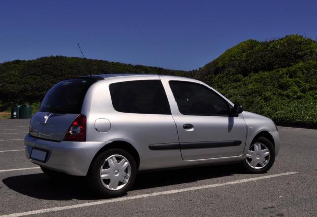 renault clio iii 1.4-pic. 3