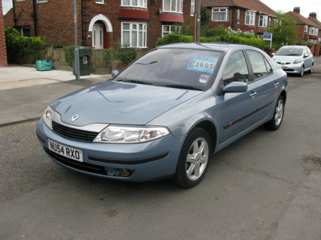 renault laguna 1 9 dci photos and comments