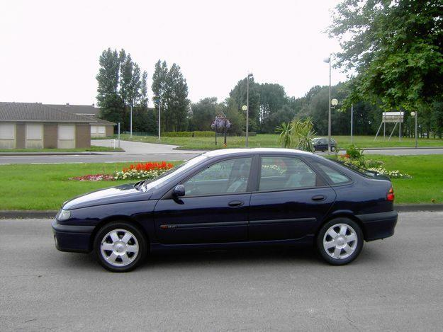 renault laguna 1 9 dti photos and comments. Black Bedroom Furniture Sets. Home Design Ideas