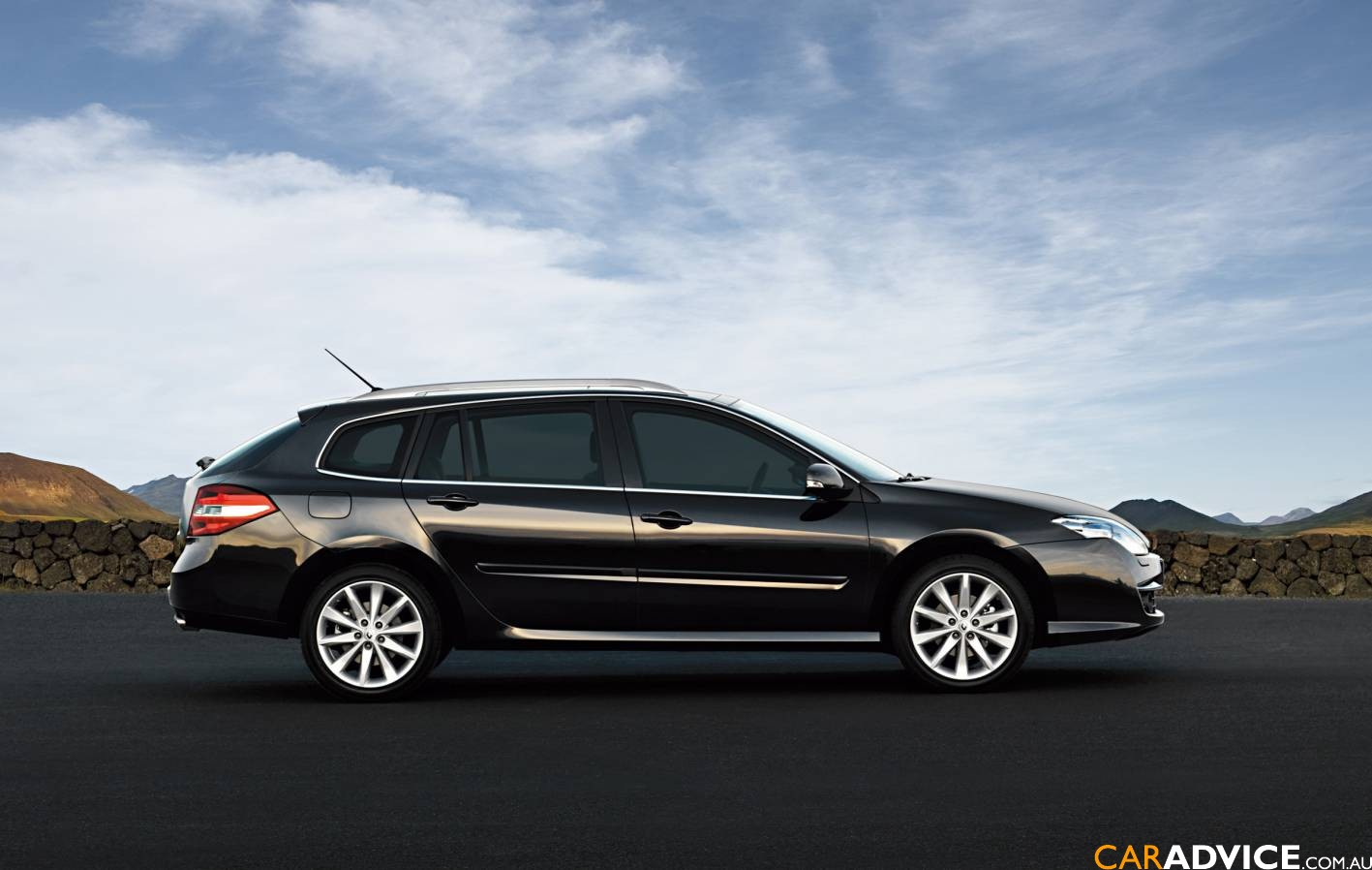 renault laguna ii estate photos and comments. Black Bedroom Furniture Sets. Home Design Ideas