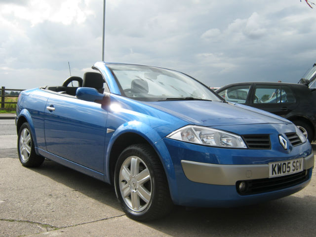 renault megane 2 0 coupe cabriolet dynamique photos and comments. Black Bedroom Furniture Sets. Home Design Ideas