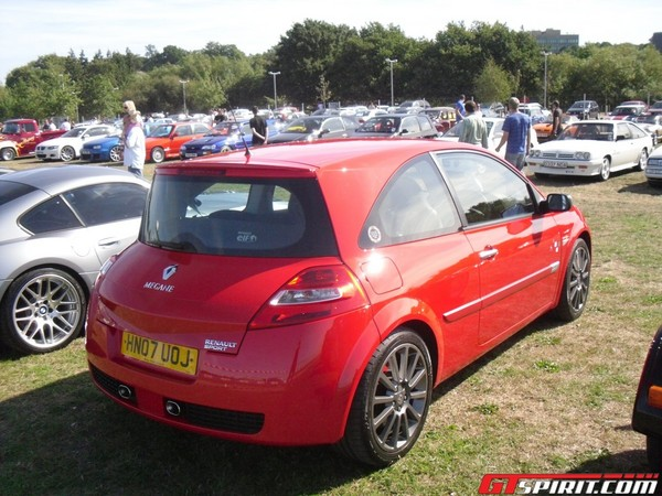 renault megane sport photos and comments. Black Bedroom Furniture Sets. Home Design Ideas