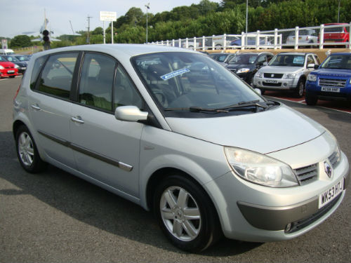 renault scenic 2.0 dynamique-pic. 2