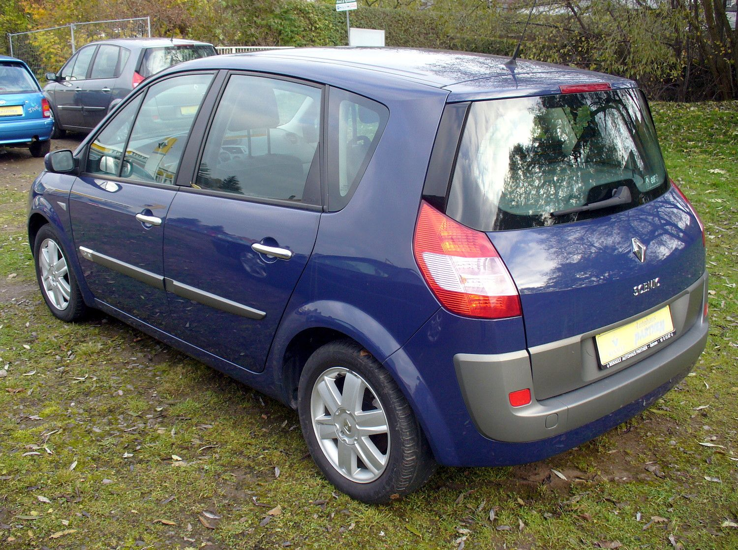renault scenic ii 1 6 photos and comments