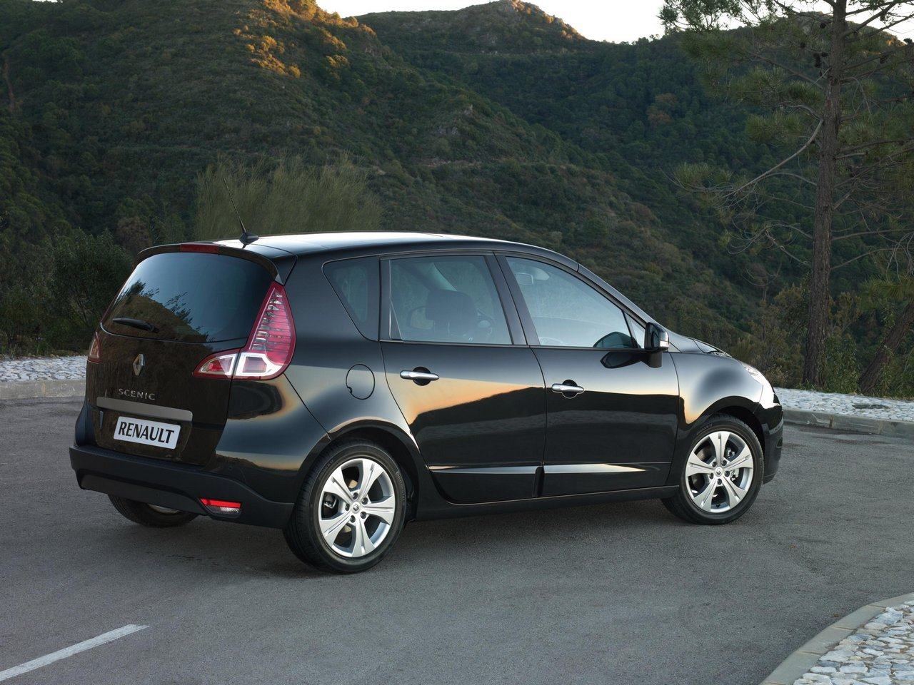 renault scenic tce 130-pic. 2