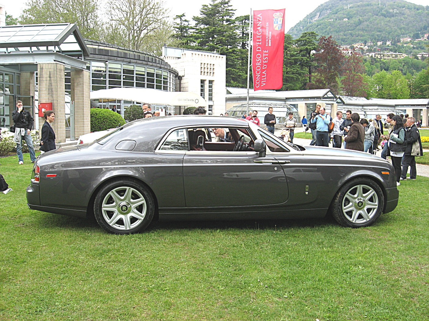 rolls-royce phantom coupe-pic. 2