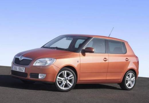 skoda fabia 1 2 htp photos and comments. Black Bedroom Furniture Sets. Home Design Ideas