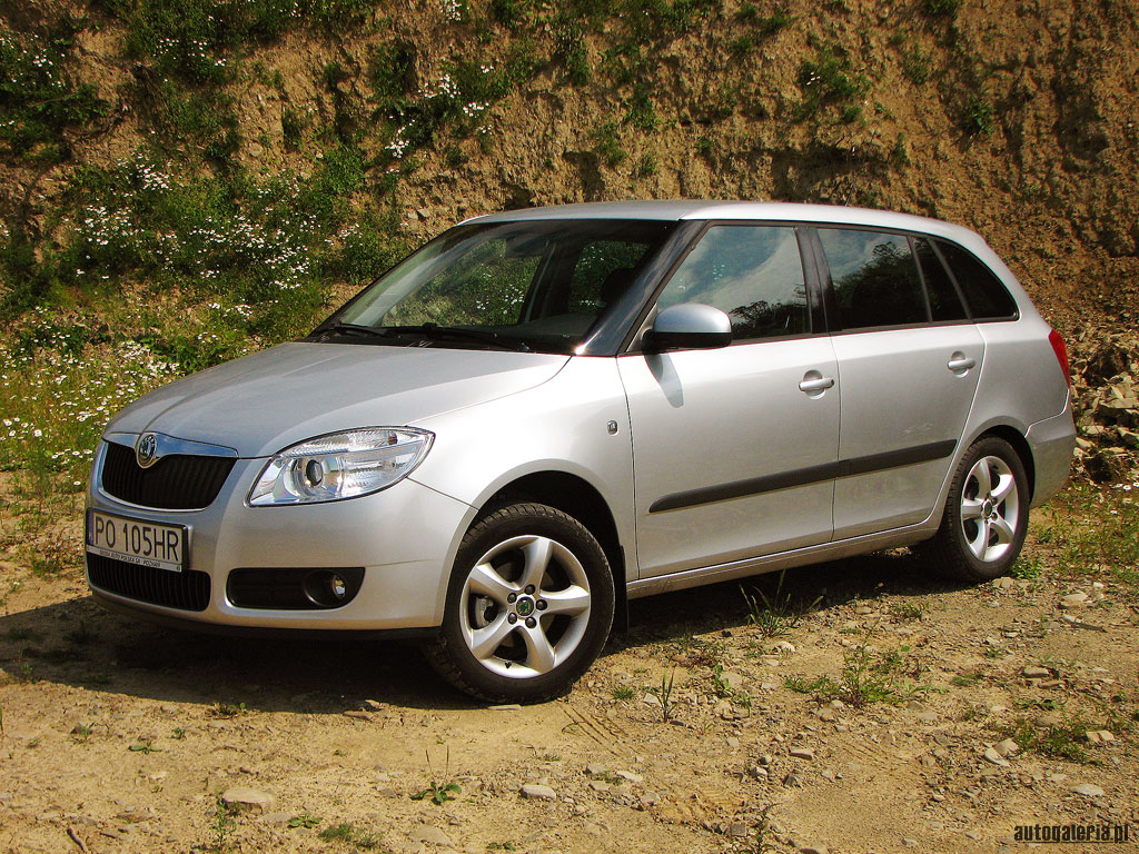 skoda fabia combi 1 4 tdi photos and comments. Black Bedroom Furniture Sets. Home Design Ideas