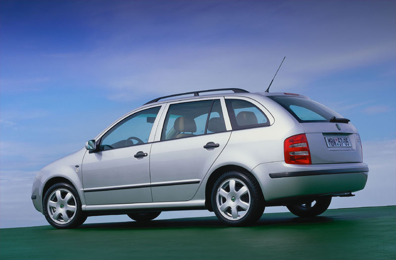 skoda fabia combi 1 9 tdi photos and comments www. Black Bedroom Furniture Sets. Home Design Ideas