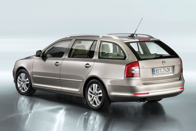 skoda octavia combi 1 6 tdi 4x4 photos and comments. Black Bedroom Furniture Sets. Home Design Ideas