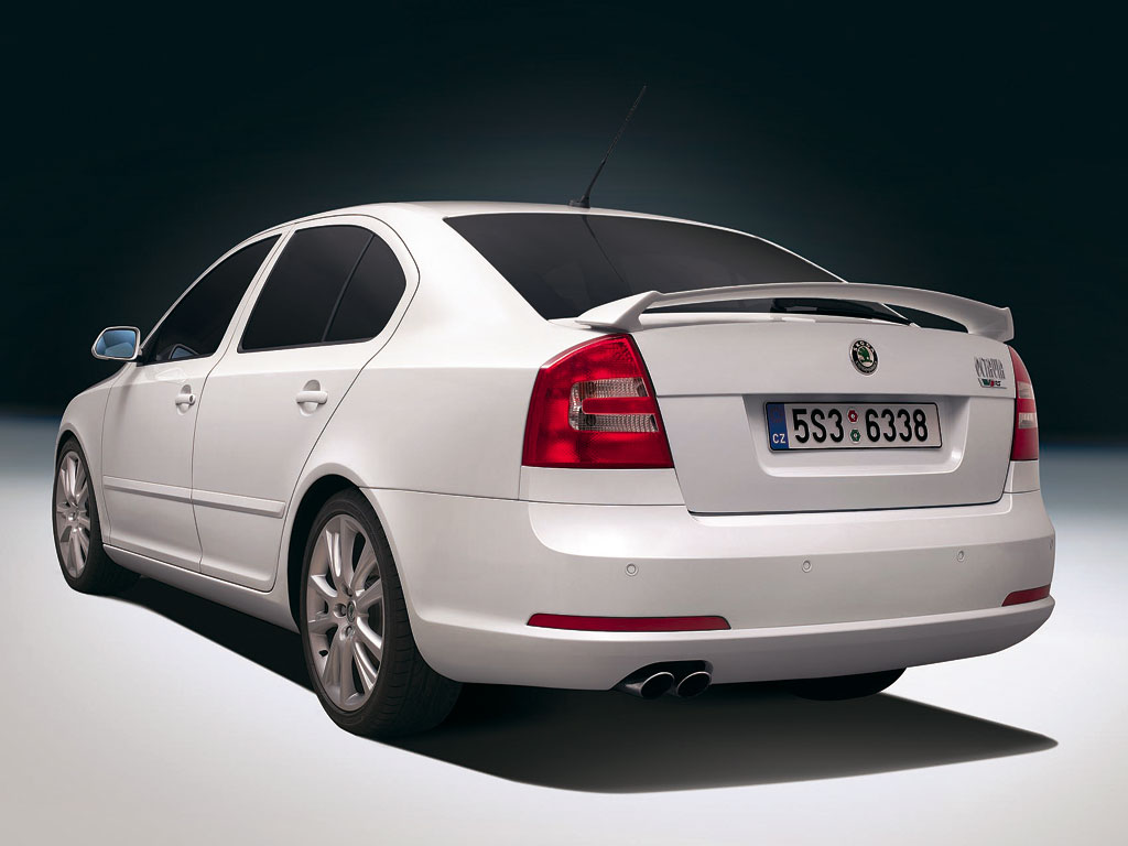 skoda octavia rs combi 2 0 tdi photos and comments www. Black Bedroom Furniture Sets. Home Design Ideas