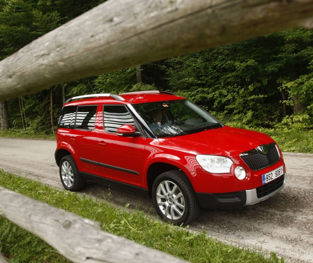 skoda yeti 2 0 tdi photos and comments. Black Bedroom Furniture Sets. Home Design Ideas
