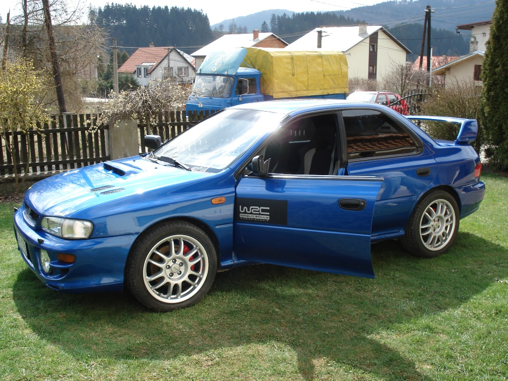 subaru impreza 2 0 gt photos and comments. Black Bedroom Furniture Sets. Home Design Ideas