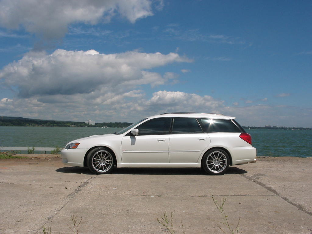 subaru legacy 2 5 gt wagon photos and comments. Black Bedroom Furniture Sets. Home Design Ideas
