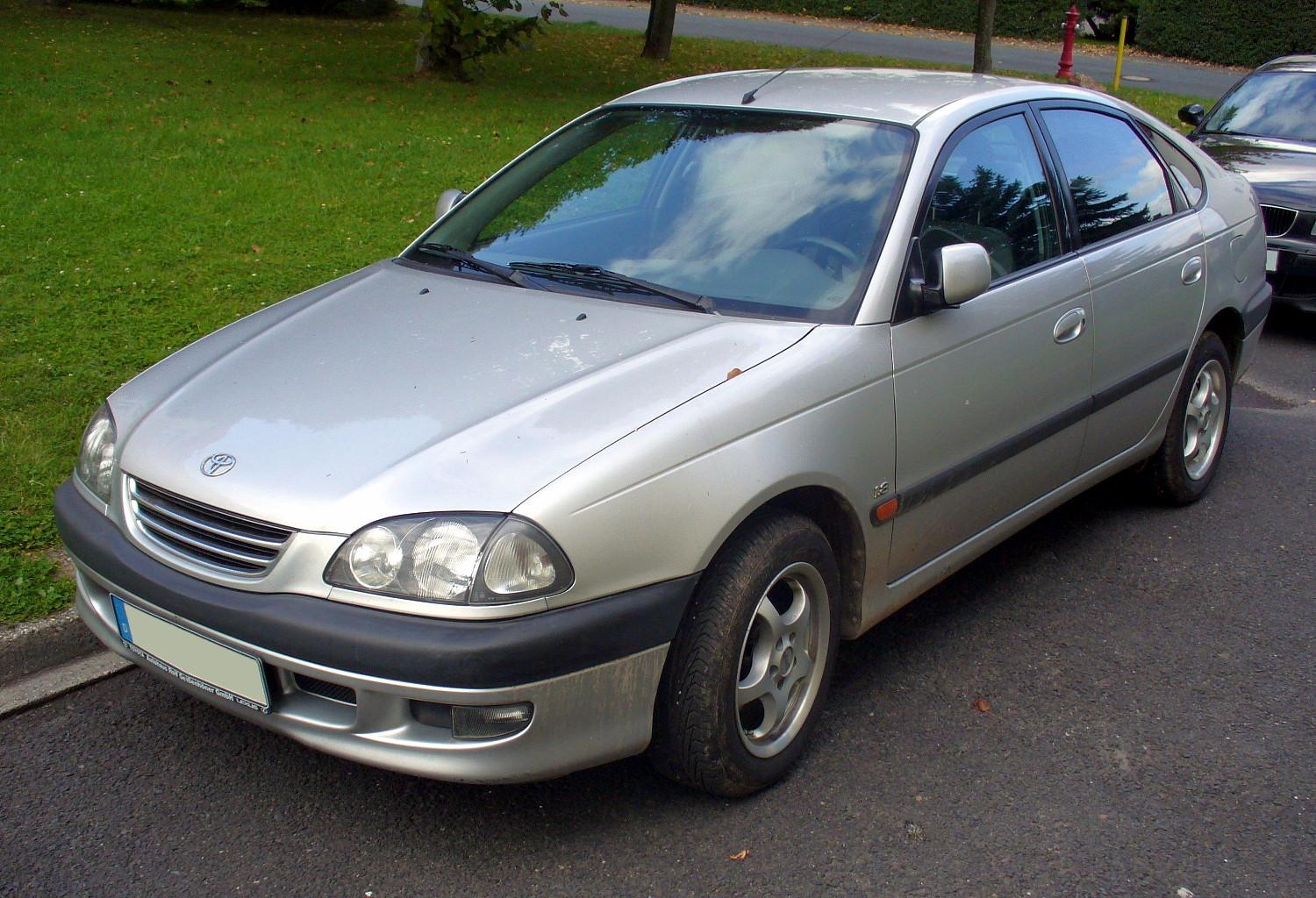 toyota avensis 1.8 automatic-pic. 1