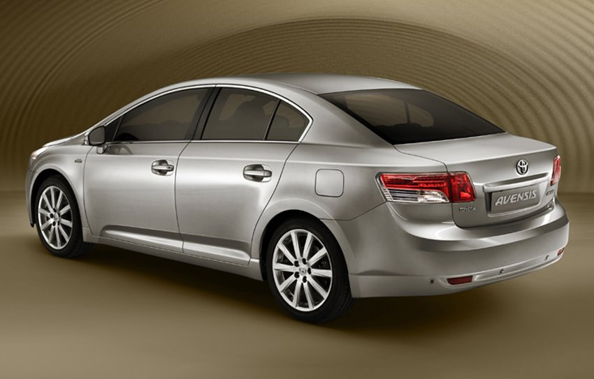 toyota avensis 2.0 at-pic. 2
