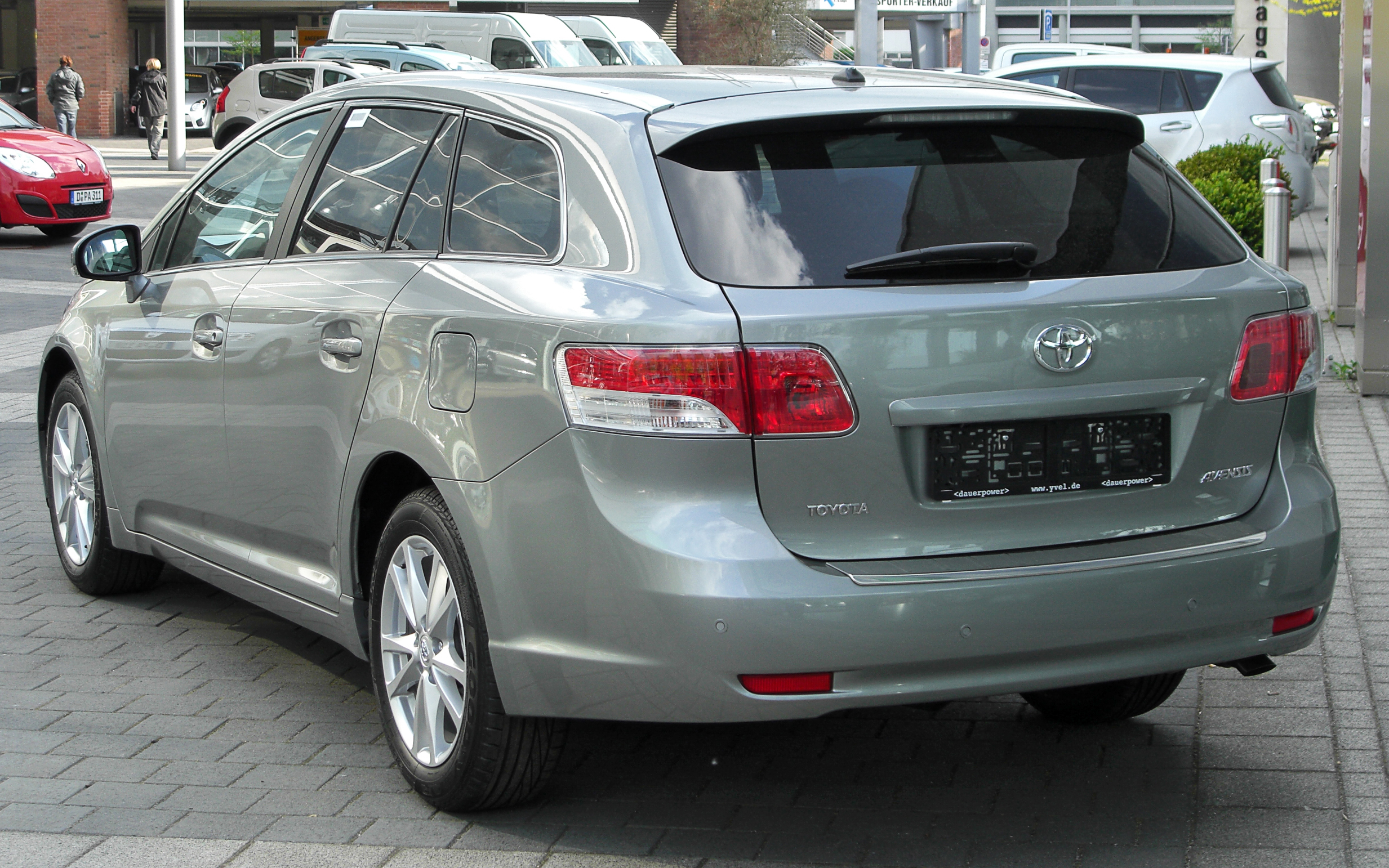 toyota avensis 2.2 d-4d-pic. 3
