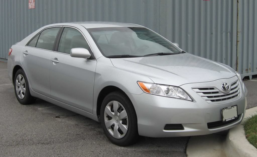 toyota camry 2.4 le-pic. 3