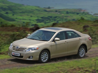 toyota camry 2.4 mt-pic. 3