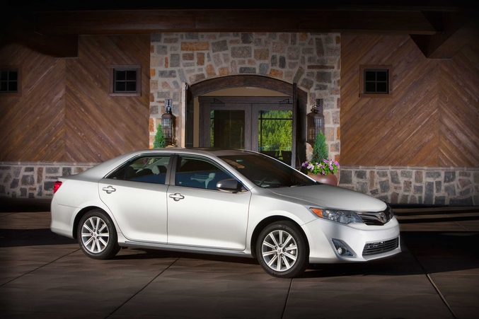 toyota camry 3.5 xle-pic. 1