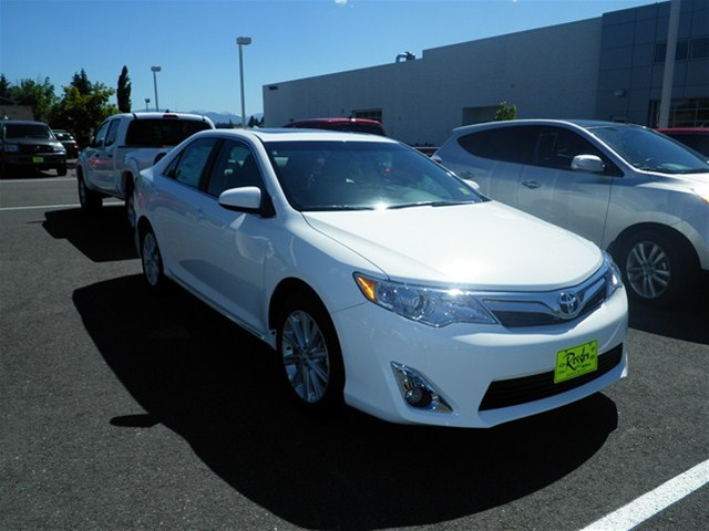 toyota camry 3.5 xle-pic. 3