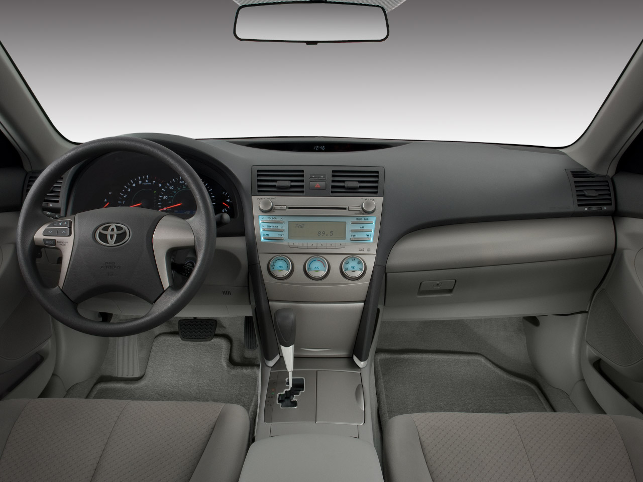 toyota camry le-pic. 2