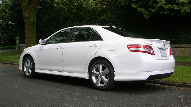 toyota camry se-pic. 2