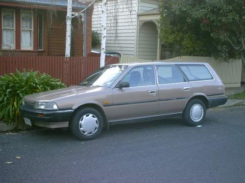 toyota camry station wagon-pic. 2
