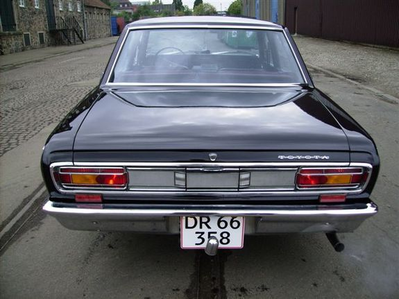 toyota crown 2300-pic. 3