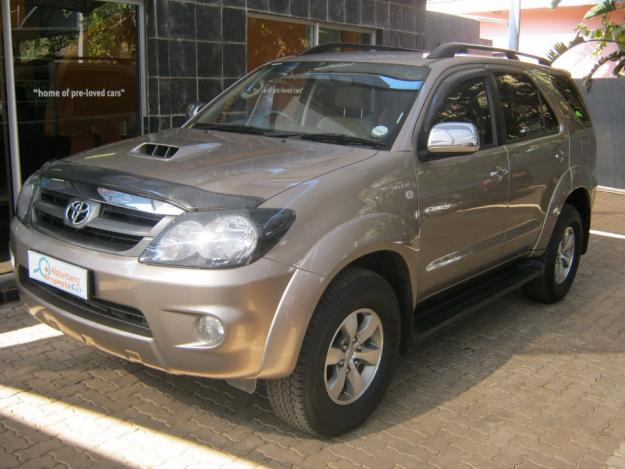 toyota fortuner 3.0 d-pic. 3