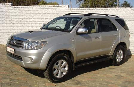 toyota fortuner 3.0 d-4d 4x4-pic. 3