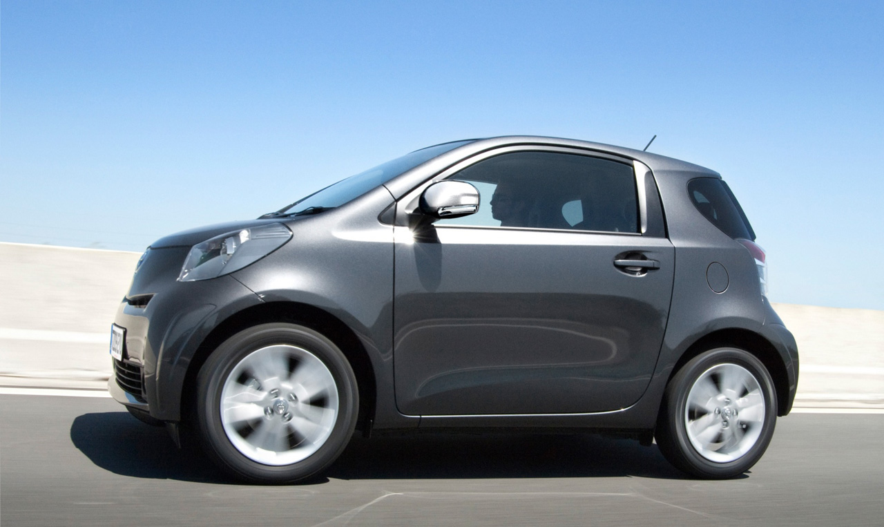 toyota iq photos and comments. Black Bedroom Furniture Sets. Home Design Ideas