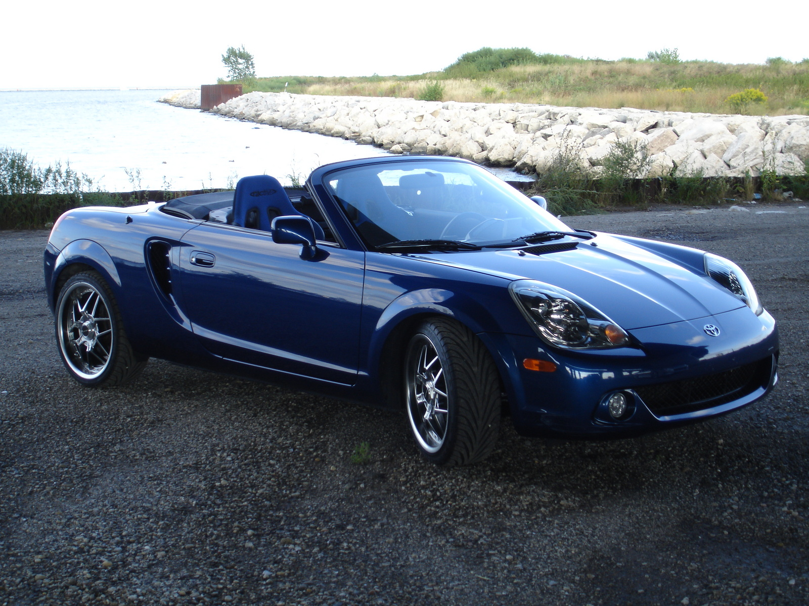 toyota mr2 spyder convertible-pic. 2